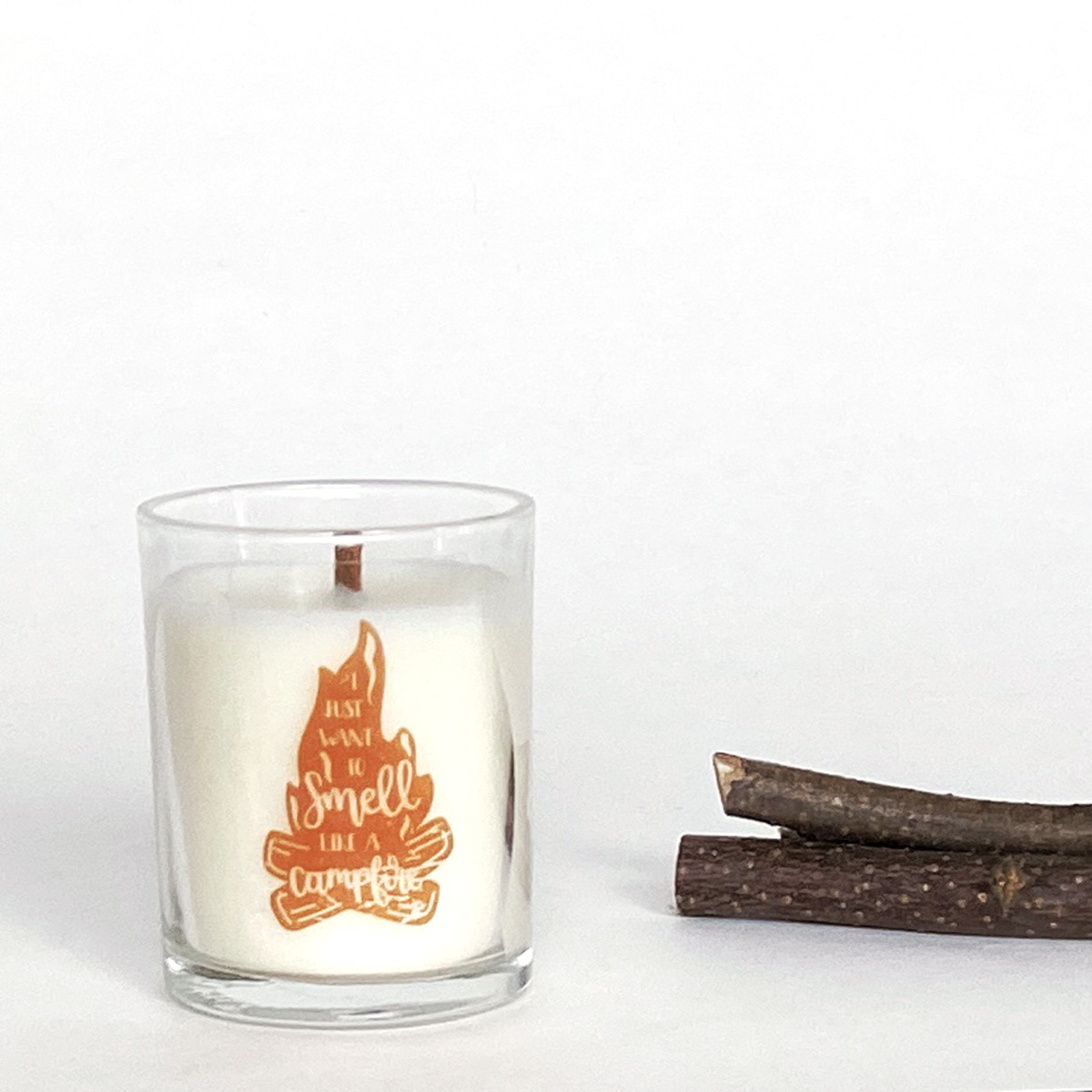 candle-that-smells-like-campfire